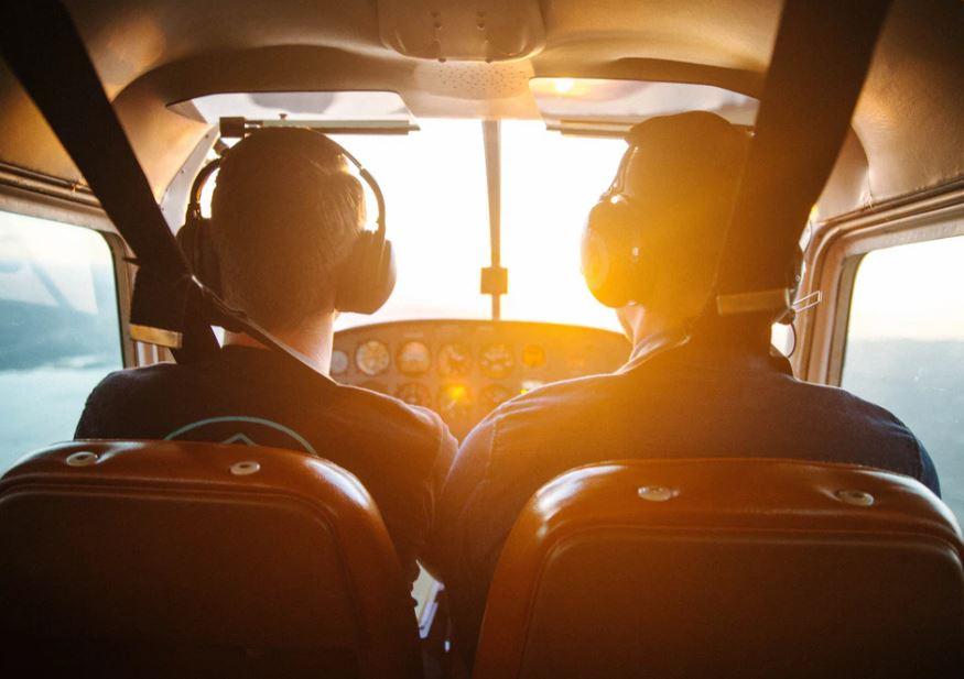 Flyg flygplan